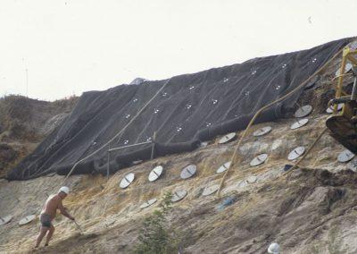 1993 slip, soil nails cliff stabilisation